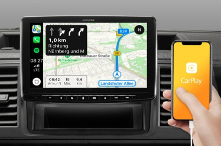 iLX-F903D-Online-Navigation-with-Apple-CarPlay