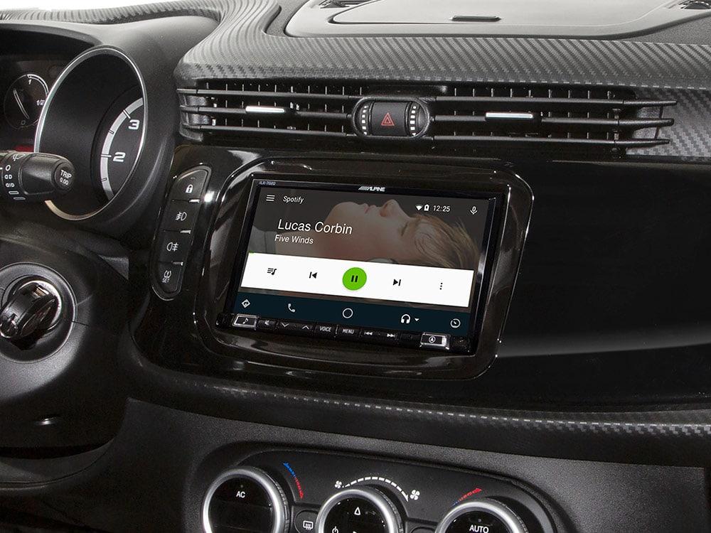 KIT-7AR-940_for-Alfa-Romeo-Giulietta-Spotify-Screen_iLX-702D