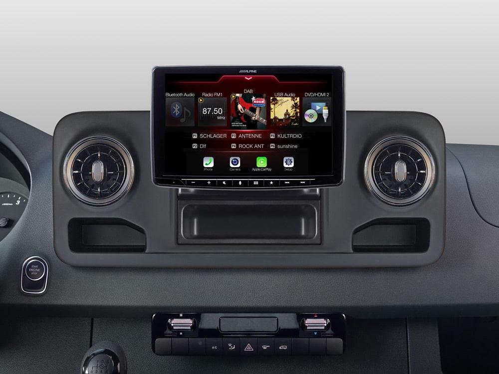 iLX-F903S907_Online-Navigation_for_Mercedes-Sprinter_Source-Menu-DAB-DVD-RADIO